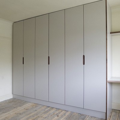 Walnut-and-Pale-Laminate-Wardrobe-01