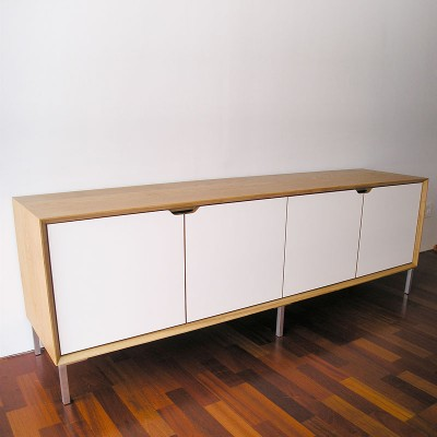 Oak-and-White-Laminate-Sideboard-01